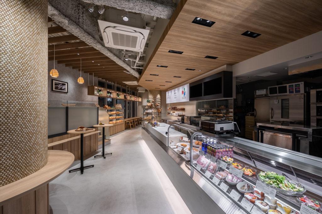 グローサラント型のドンク & RF1 代々木のデザイン事例・店内写真